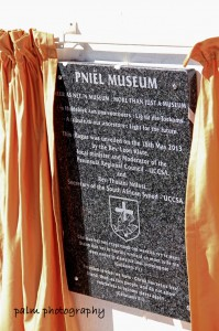 Unveiling of plaque2